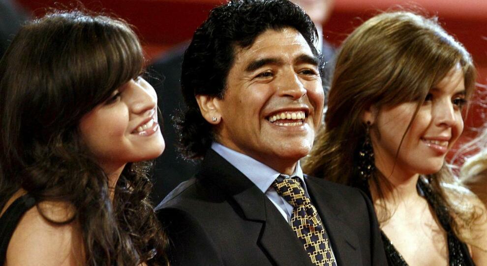 Maradona, la figlia Giannina choc: «Se mi suicido di chi sarebbe la colpa?»