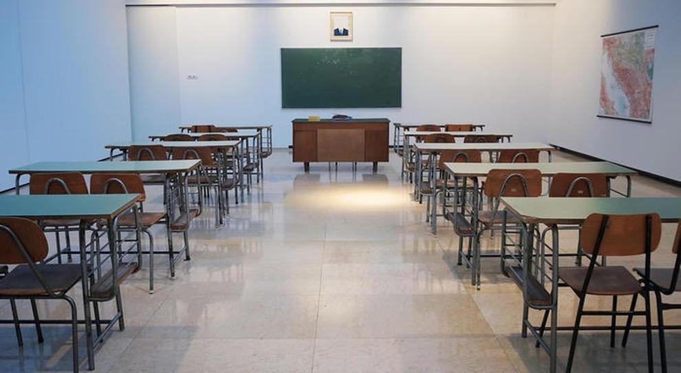 Scuola a settembre, ecco le linee guida: turni, classi divise e lezioni online