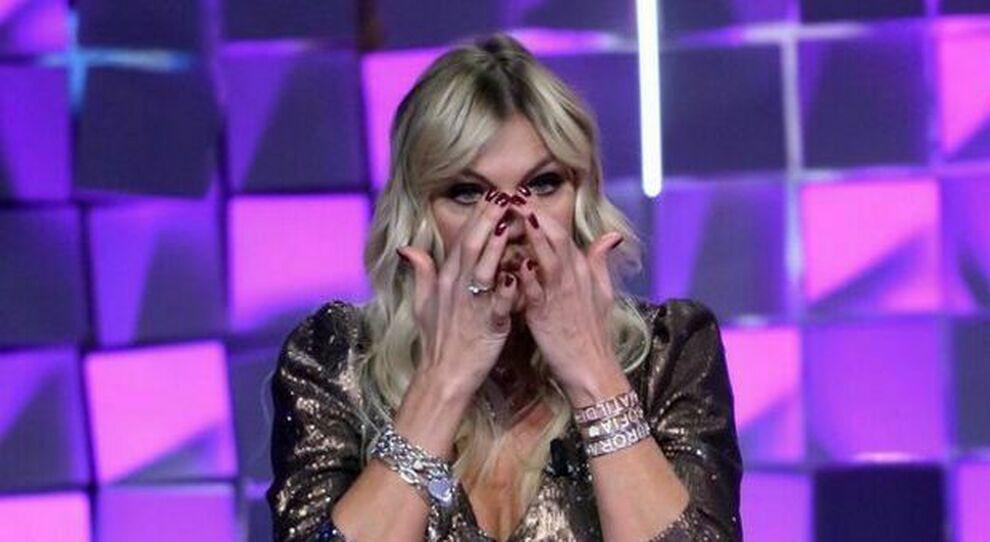 Matilde Brandi in lacrime a Verissimo: «L'anello che aspettavo non è arrivato, con Marco è finita»