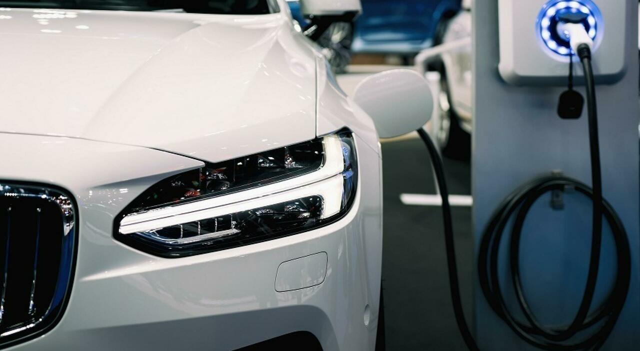 Incentivi auto, si parte: sconti fino a 2 mila euro con la rottamazione