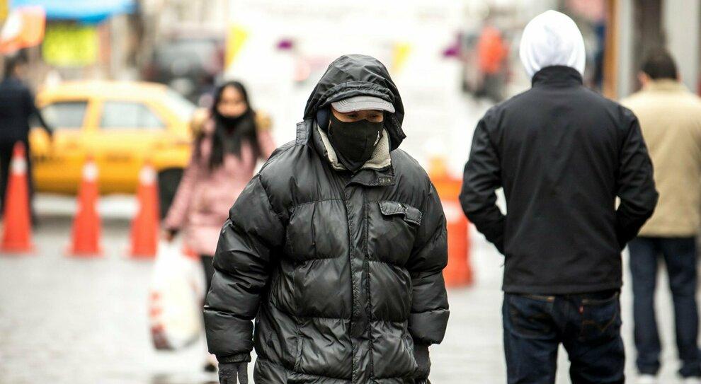 Perché ho sempre freddo? Spesso il meteo non c'entra: dalla dieta alla tiroide, cosa c'è da sapere