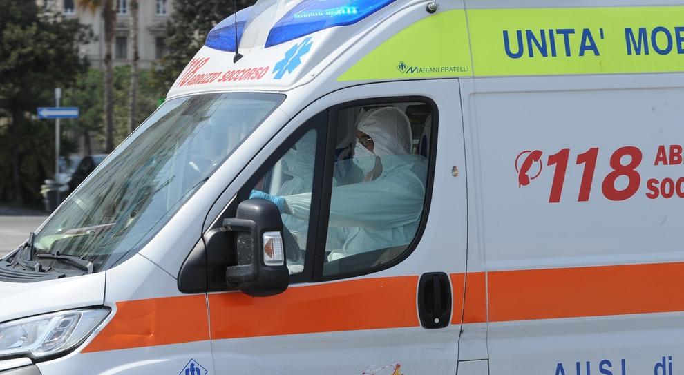 Gli equipaggi delle ambulanze raccontano: «Sempre più giovani, sempre più gravi»