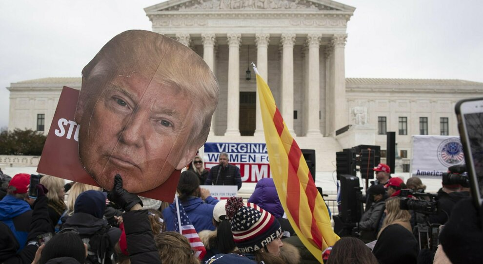 Donald Trump, l'atto finale dopo quattro anni di follie