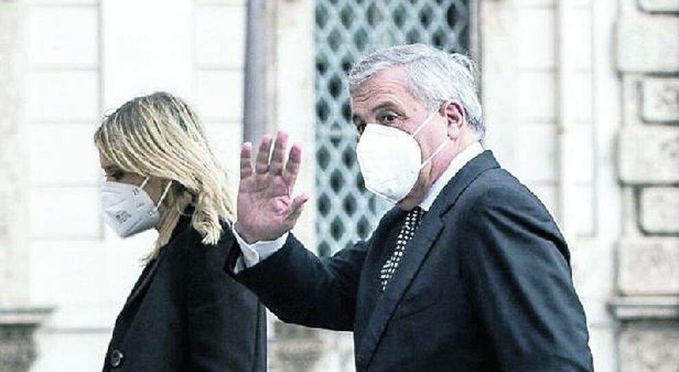 Crisi, Tajani: «Ora il governo dei migliori oppure per noi solo il voto»