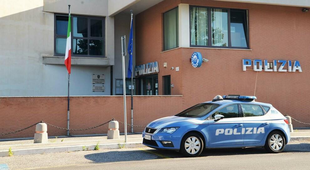 Roma, immigrato pedina una minorenne e cerca di violentarla: terrore a Porta Portese