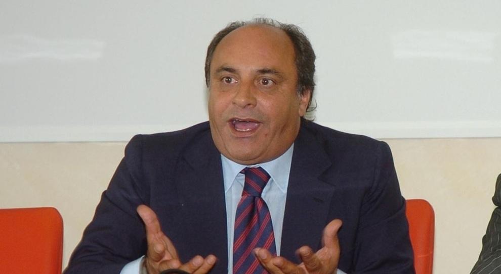 Celano, l'ex senatore Piccone aver chiesto sesso in cambio di lavoro