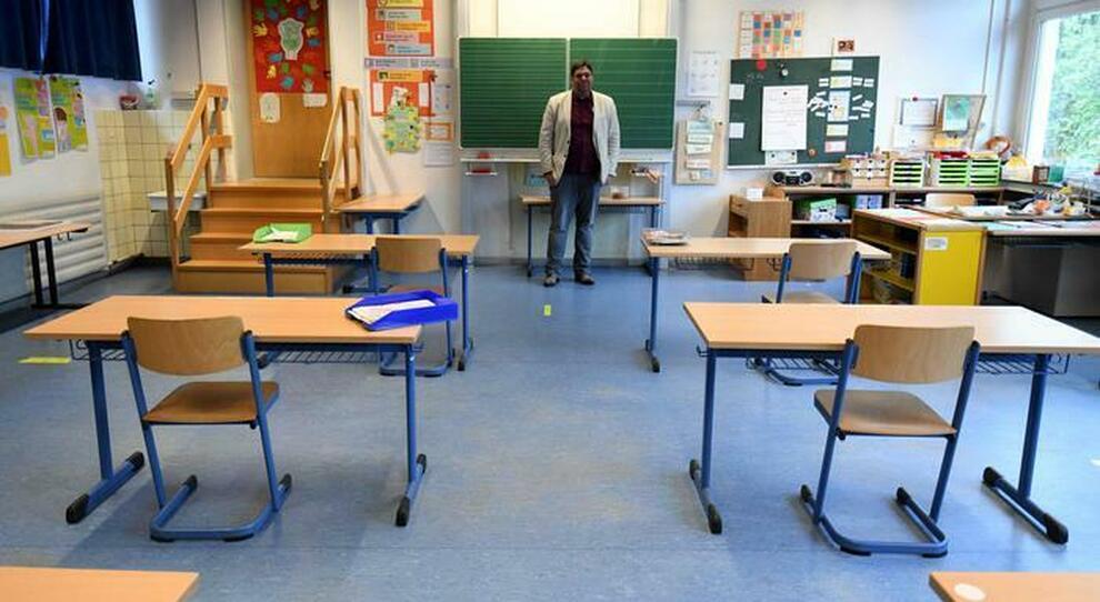 Scuola, Regioni divise sulla riapertura il 7 gennaio: no di Campania, dubbi di Puglia e Veneto