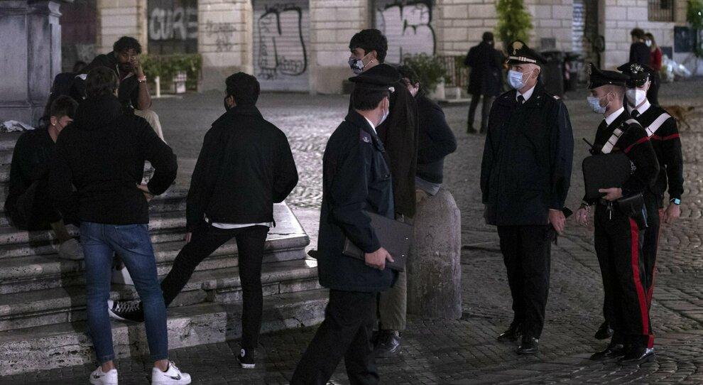 Covid, Roma, allarme quarantene violate: «C è anche chi va dall amante»