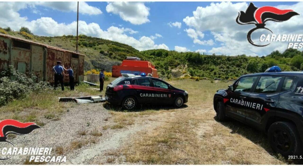 Abruzzo, rave party clandestino nella cava abbandonata: denunciati quaranta ragazzi