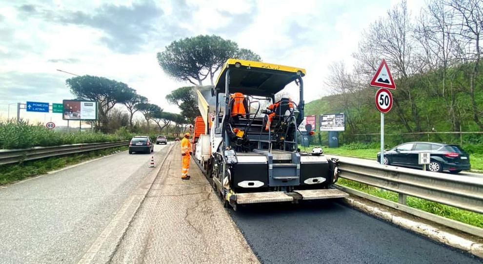 Lavori stradali in via Cristoforo Colombo