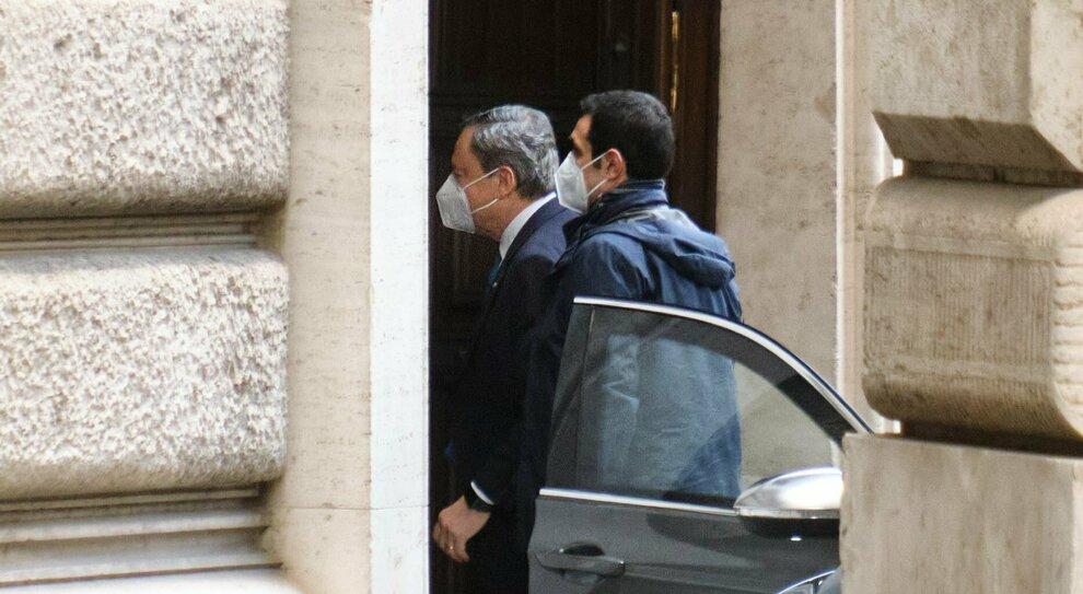 Il vuoto da riempire/ L occasione italiana nell Europa senza leader
