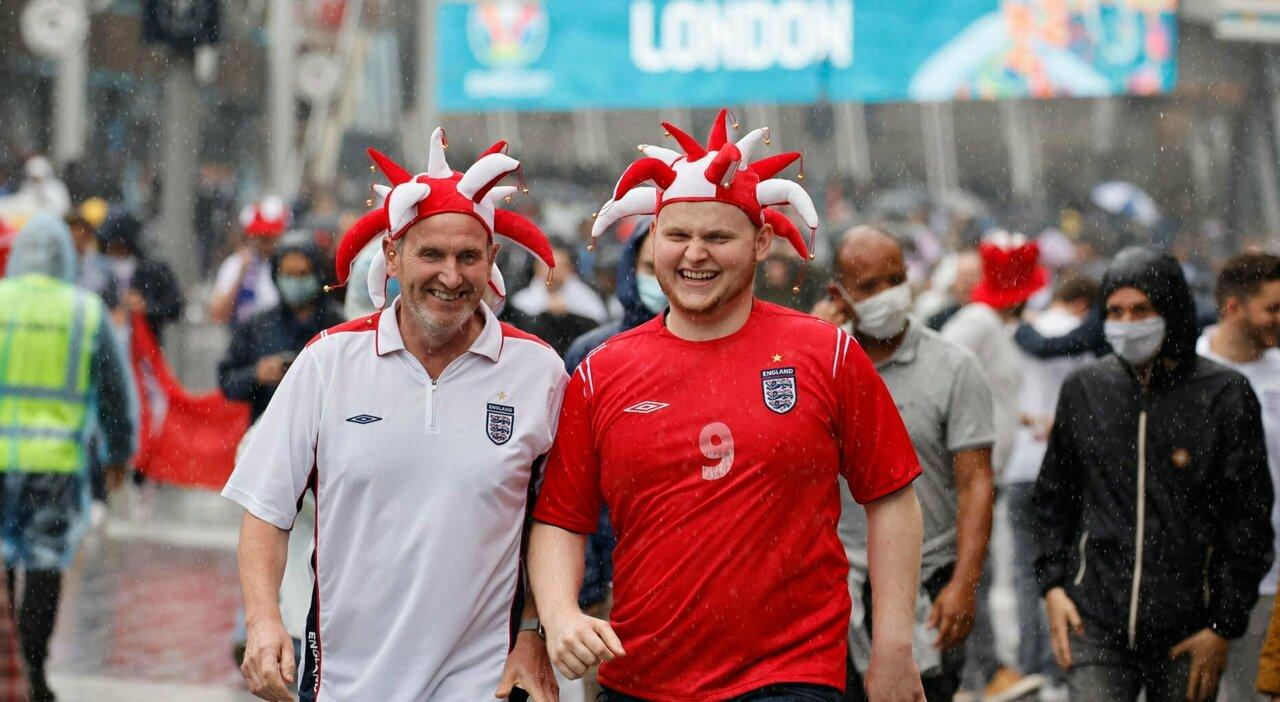 """Ucraina-Inghilterra, la Uefa """"cancella"""" i biglietti venduti dopo il 28 giugno"""