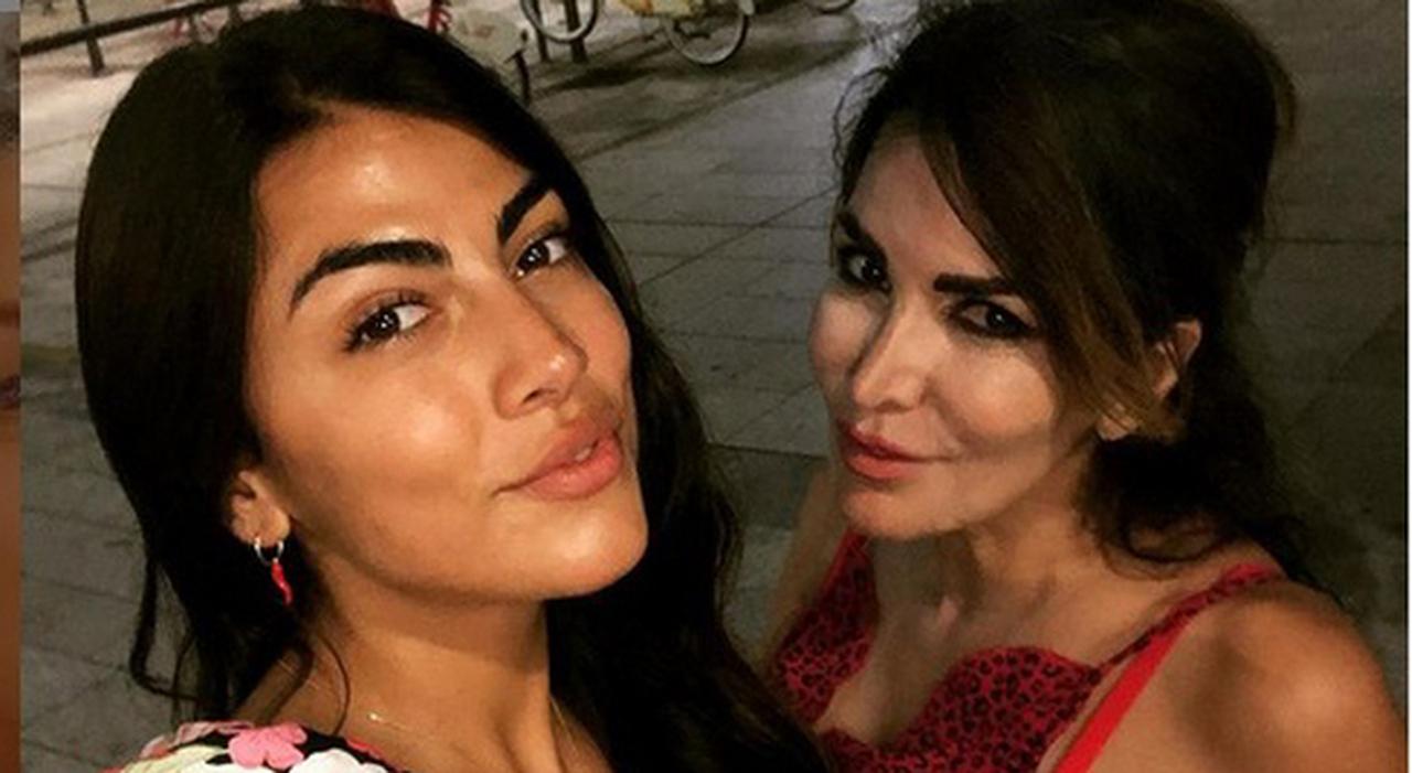 Giulia Salemi, l'annuncio della mamma Fariba Tehrani su Instagram: «È stato trovato morto mio fratello»