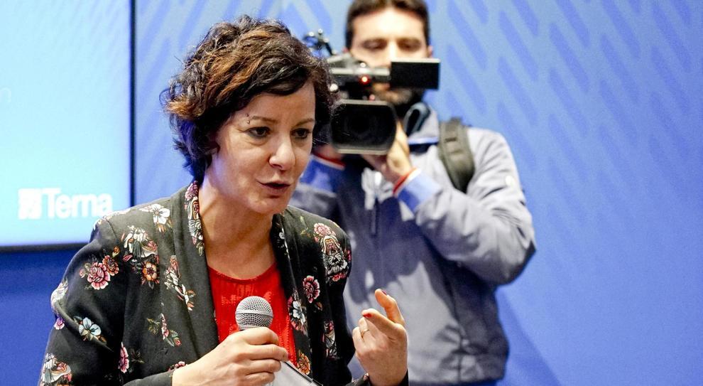 Immuni, la ministra Pisano: «Tutti al mare con la app. Se Salvini è un italiano, la scarichi»