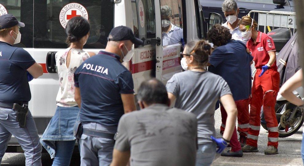 Virus stabile, ma 20 mila tamponi in meno. Guardia alta a Roma