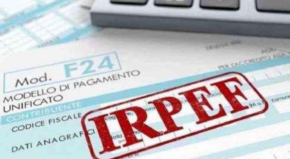 Irpef, con la riforma è caos aliquote: a parità di reddito la tassa è anche più del triplo