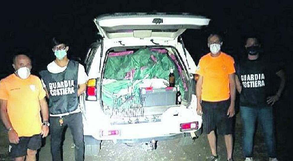 Uno dei sequestri della Guardia costiera sulle spiagge di Santa Severa
