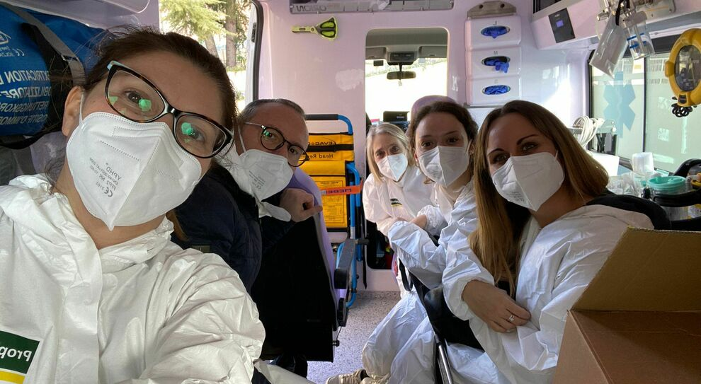 Prosegue la campagna vaccinazione. Covid, 573 nuovi positivi e 11 morti. Impennata contagi in provincia di Pescara, segue Chieti