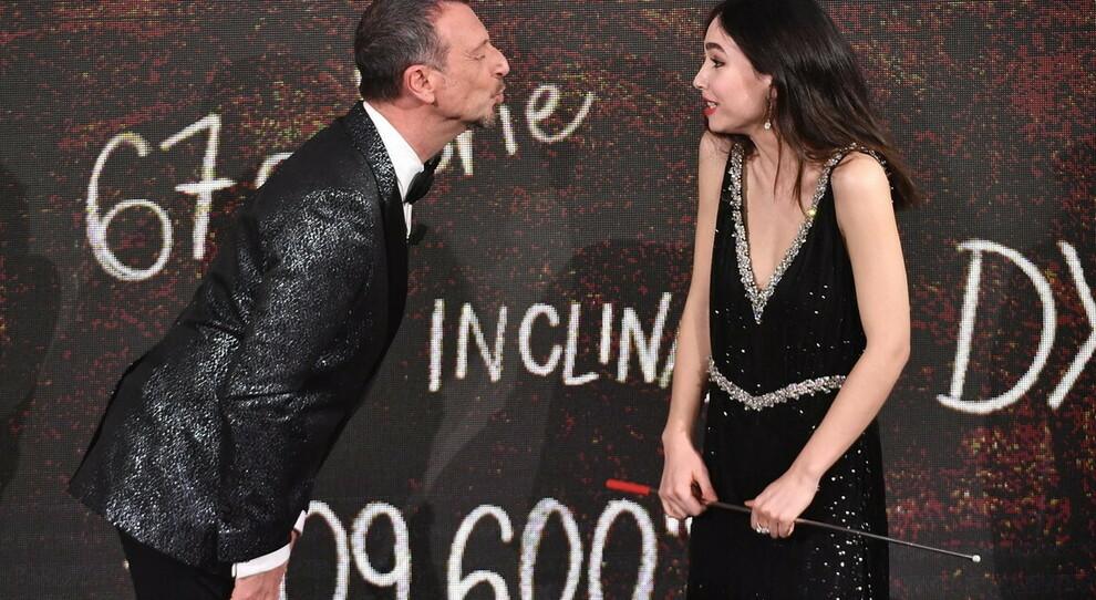 Matilda De Angelis con Amadeus a Sanremo