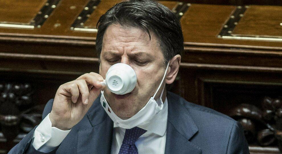 Aiuti di Bruxelles, Conte apre alla bicamerale ma avverte la maggioranza: «Il piano? Decide il governo»