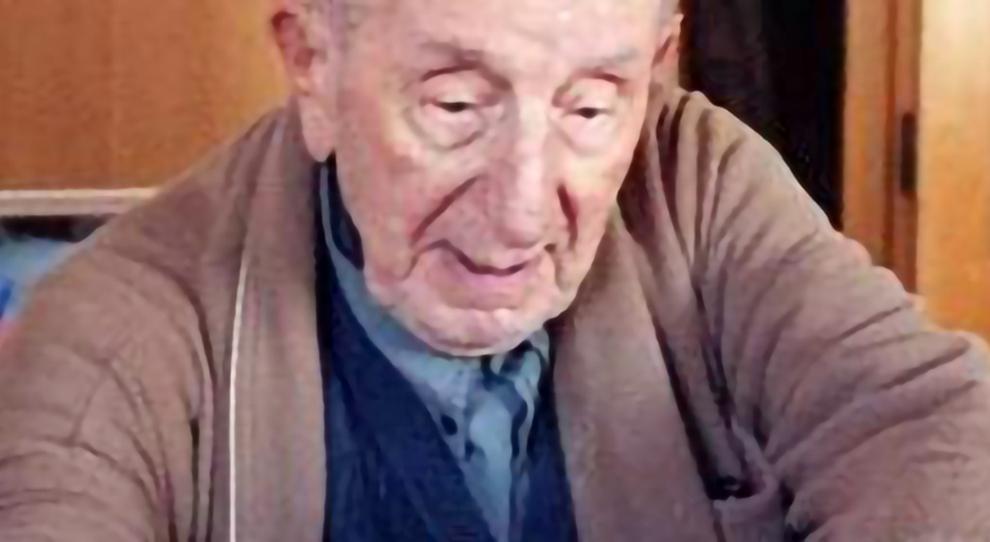 Coronavirus, l'ex maestro innamorato del Parrozzo: dopo 60 anni non può uscire per andarlo a comprare
