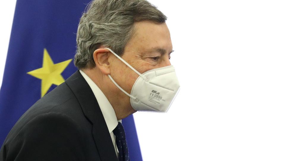 Vaccino, Draghi incalza i governatori: «C'è chi non utilizza le dosi»
