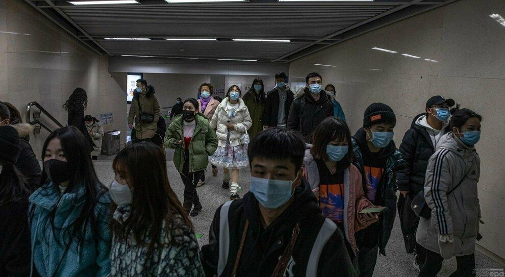 Covid, l'Oms: «La Cina non ci fa entrare per studiare l'origine del virus». La replica: «Trattativa in corso»