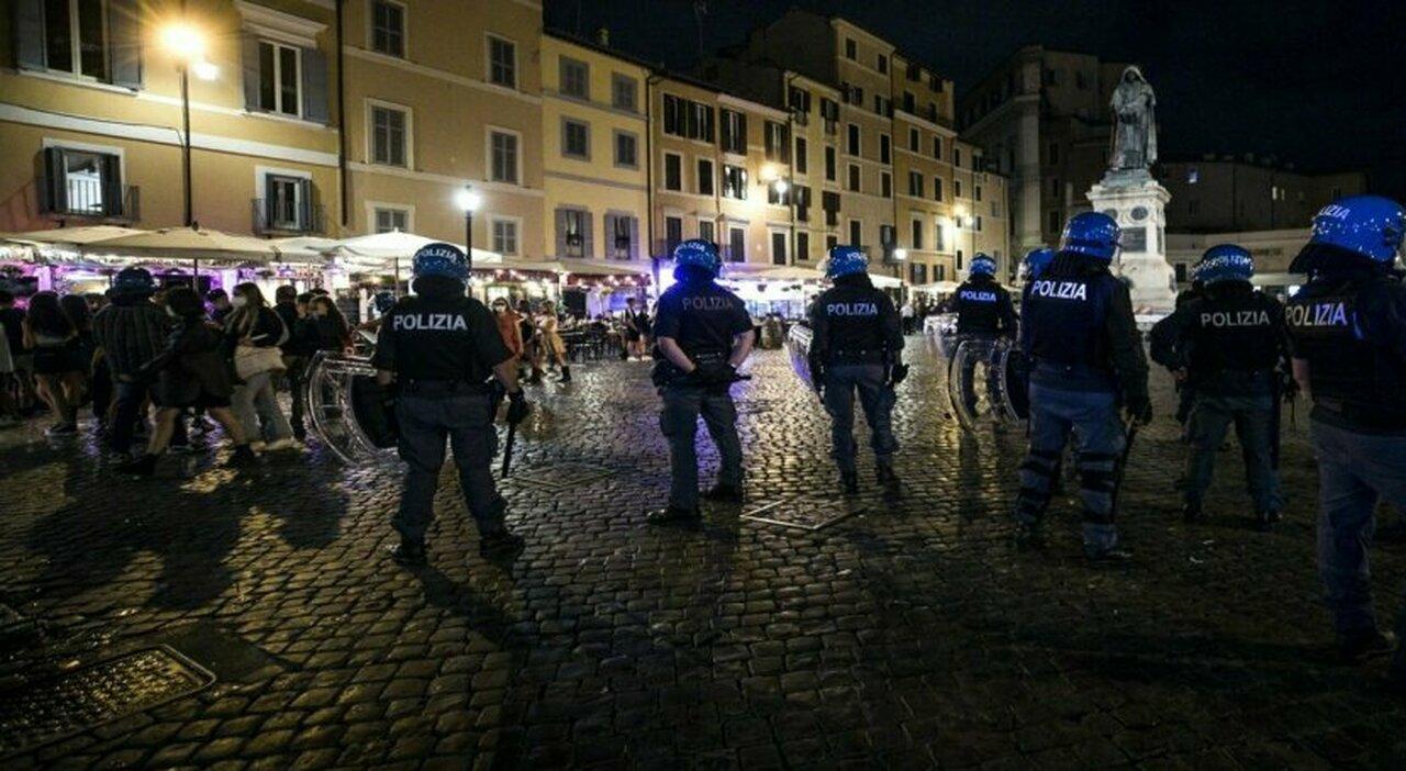 Roma, la rivolta nei quartieri: «Stop movida violenta». Via alle ronde nelle piazze
