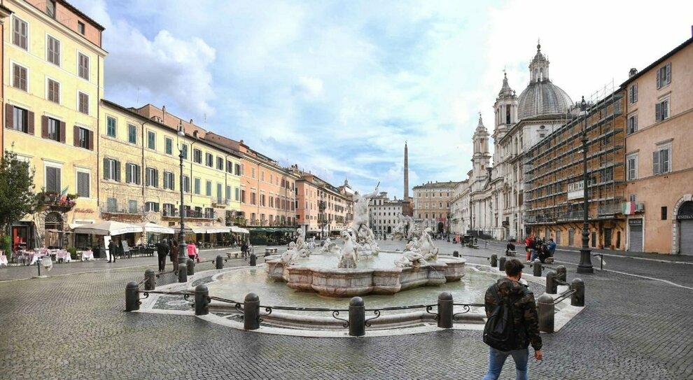 Zona rossa, Italia divisa in due: dalla Lombardia alle Marche 10 regioni in rosso (più Trento), ci sono anche Lazio e Puglia