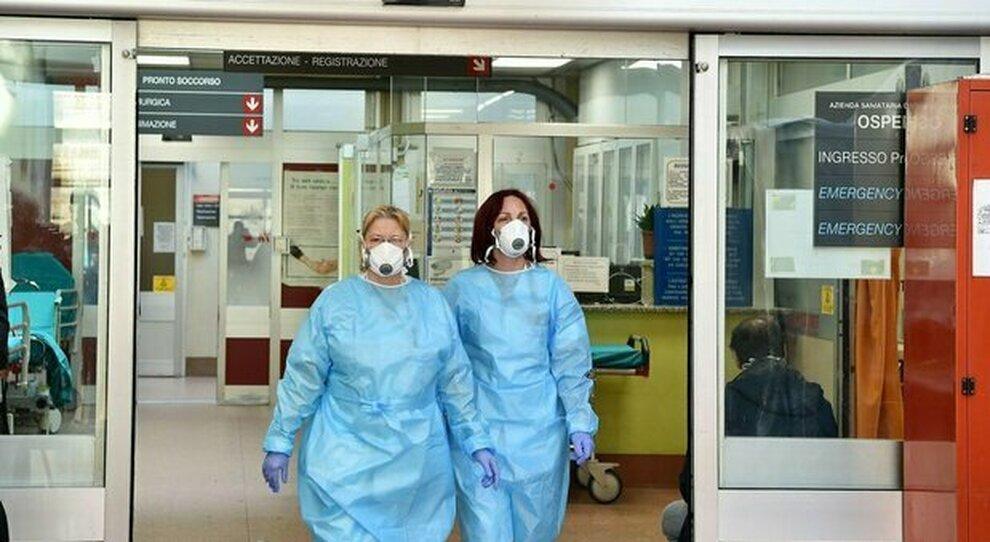 Covid Teramo, medico e pazienti contagiati: l'ospedale chiude alle visite