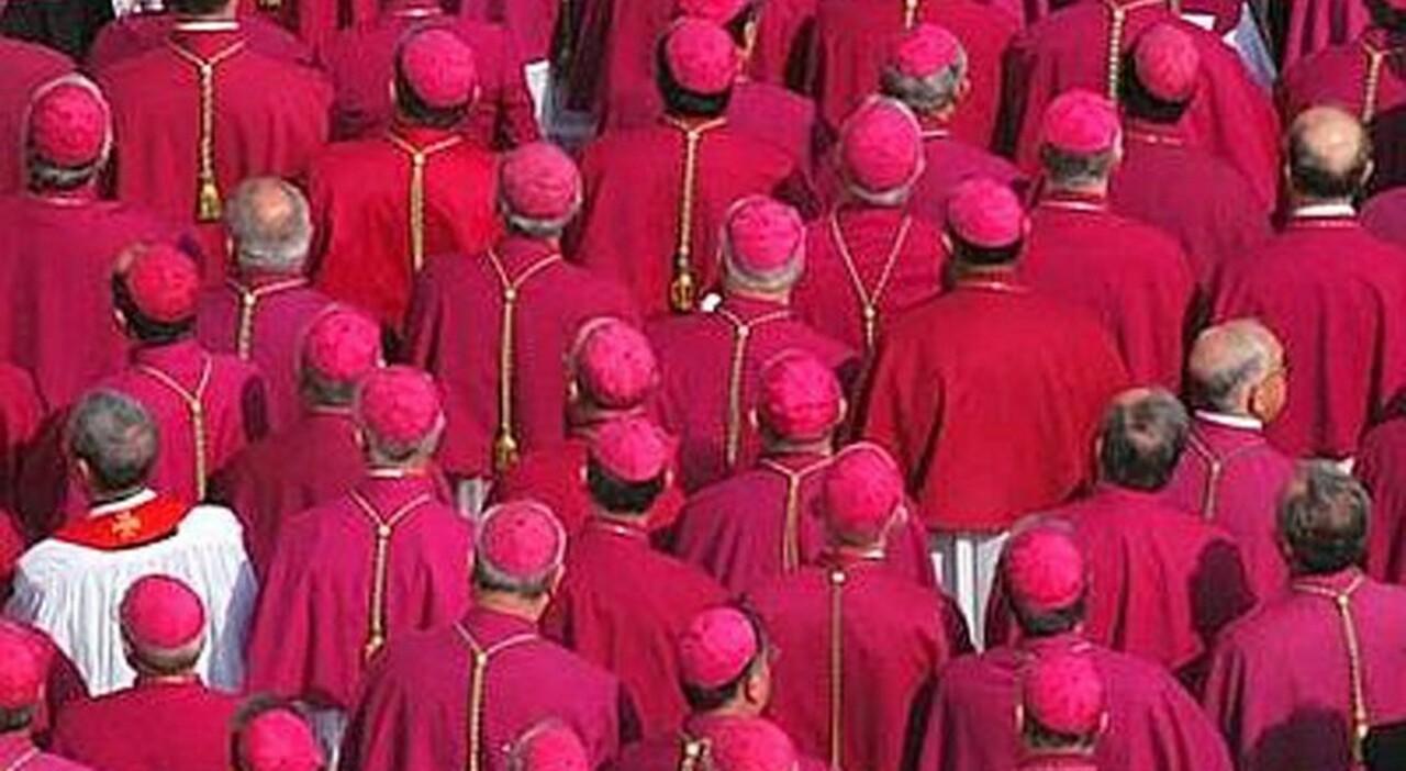 Chiesa, la Cei e le riforme: niente celibato dei preti e sacerdozio femminile