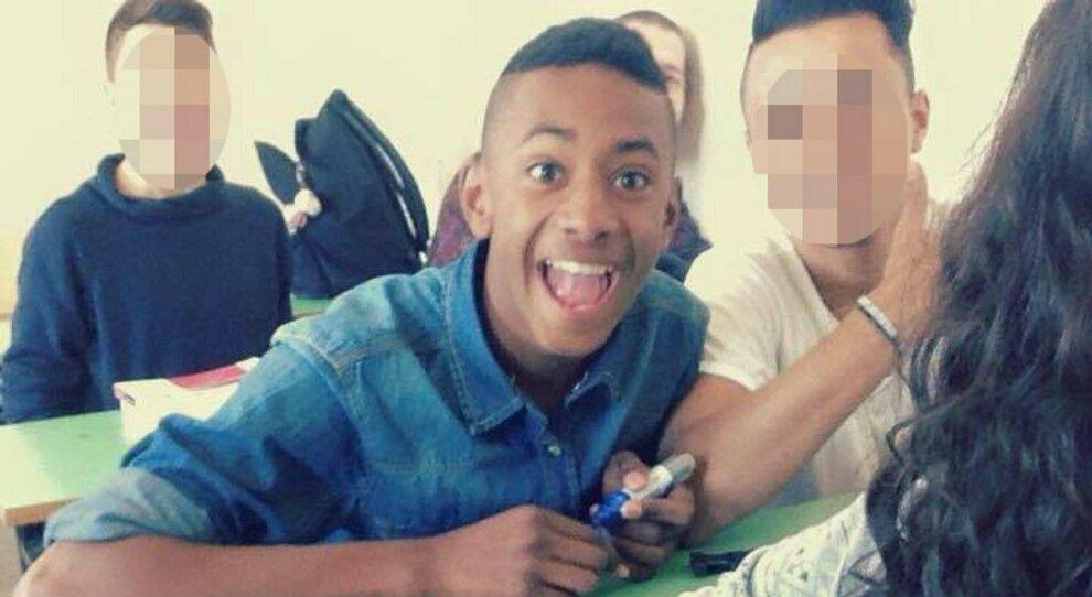 Colleferro, giovane ucciso dopo rissa. «Punito per aver difeso un amico». Arrestati 4 ventenni