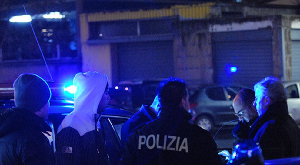 """Roma, colpisce ancora la """"gang"""" della gioiellerie, devastato un negozio all'Appio"""