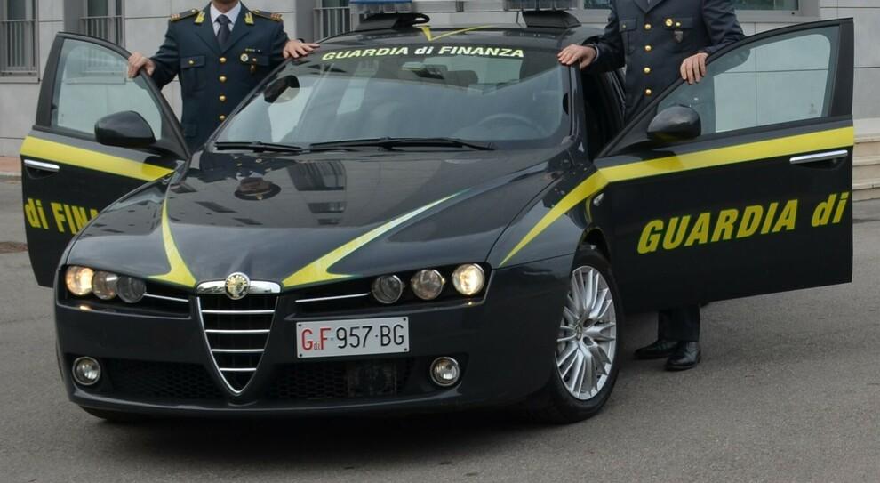 Ortona, spacciatore con il Reddito di cittadinanza: preso con 4.000 euro in contanti