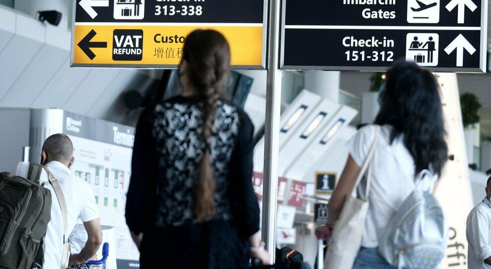 Covid e viaggi all'estero: le regole, dal passaporto all'attestato per il vaccino