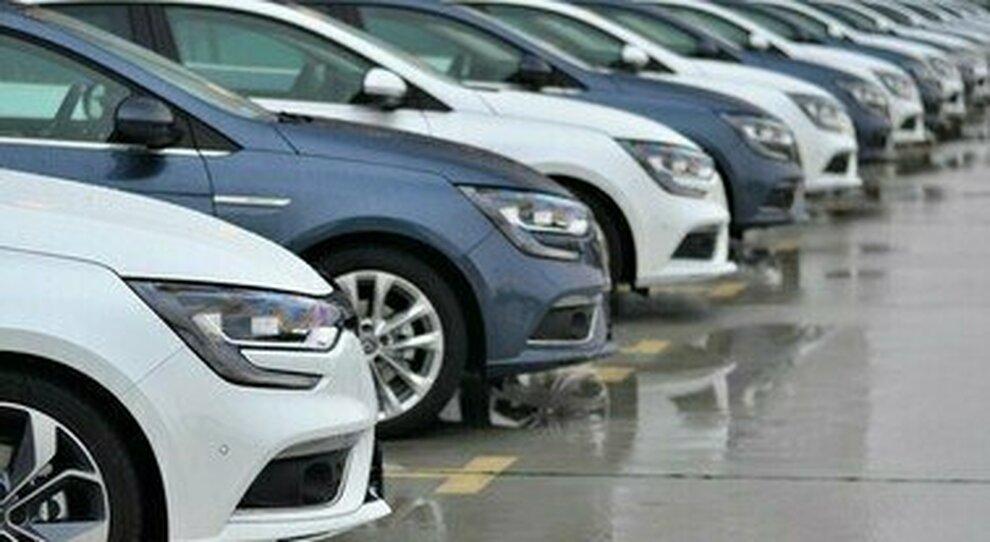 Ecobonus auto, da lunedì al via le prenotazioni (anche per gli scooter): fondo di 700 milioni