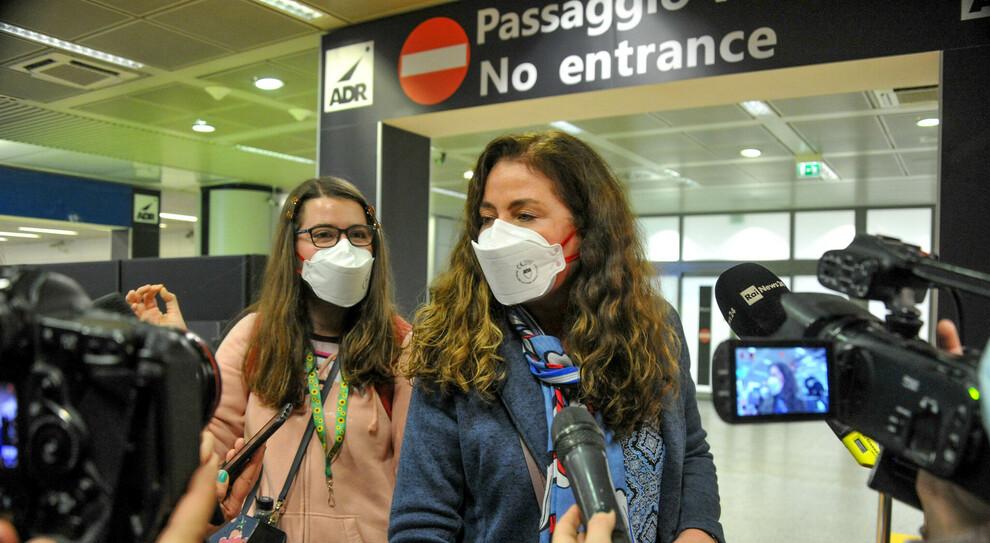 Variante inglese coronavirus, primo italiano positivo: atterrato a Fiumicino, isolato al Celio
