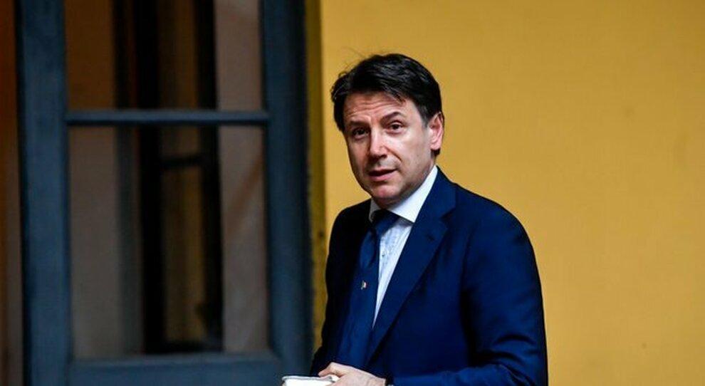 M5S rompe con Rousseau: voterà su altre piattaforme. E Conte sente Berlusconi `