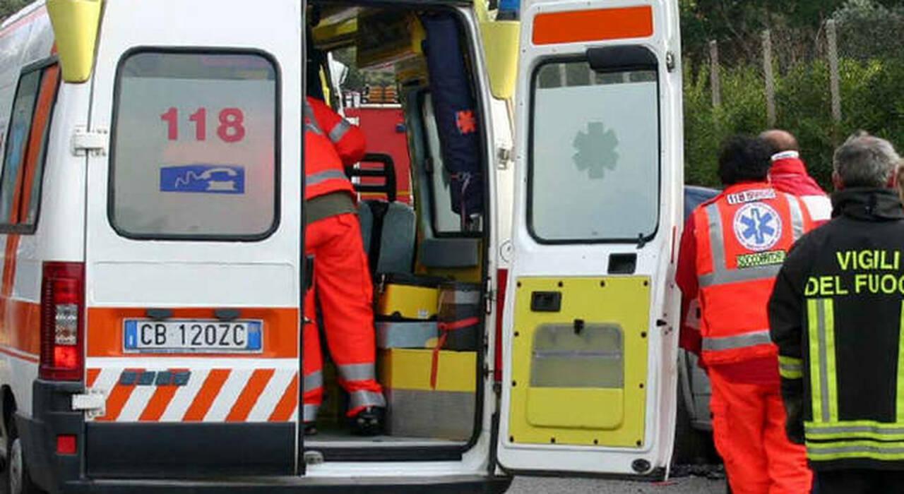 Operaio travolto da un carrello elevatore mentre va a mensa: grave