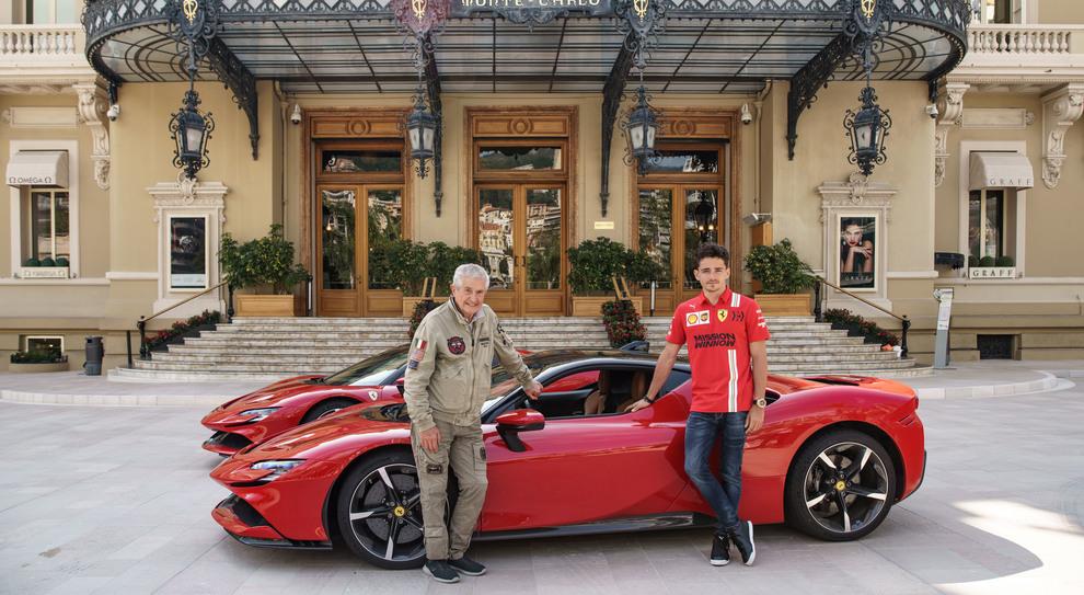 Ferrari, Leclerc attore a Montecarlo sfreccia su una SF90 Stradale nel cortometraggio di Lelouch