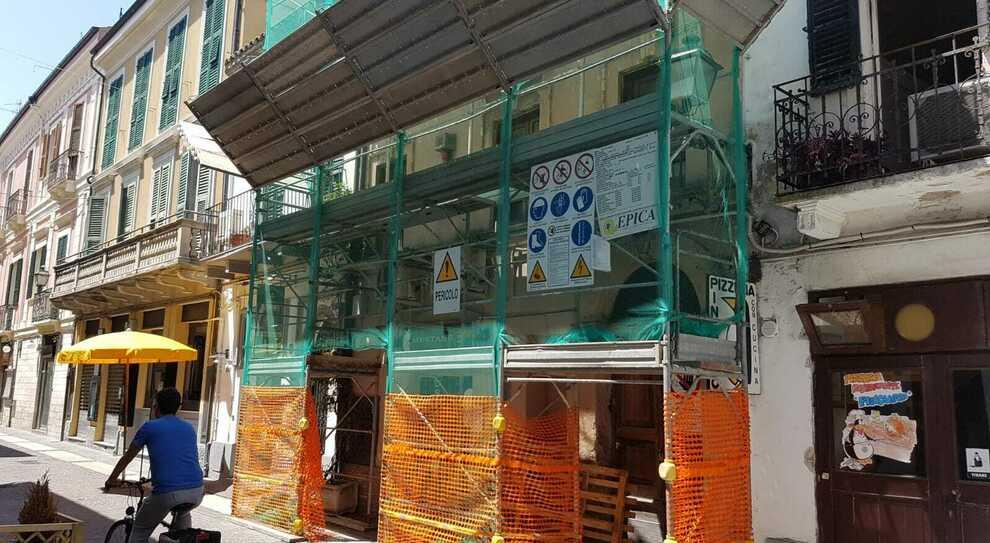 Rifacimento della facciata di un edificio