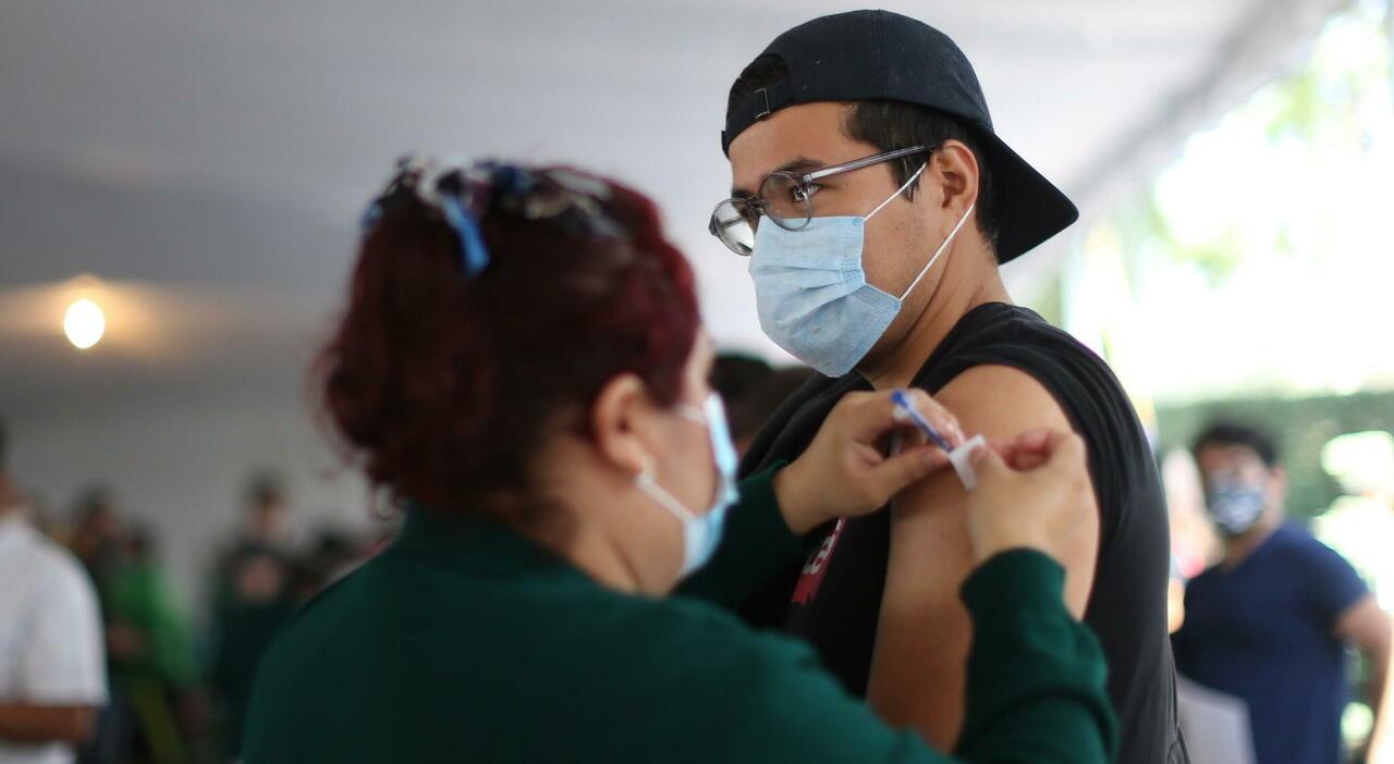 Variante delta, per alcuni vaccini basta la prima dose: la scoperta degli scienziati canadesi