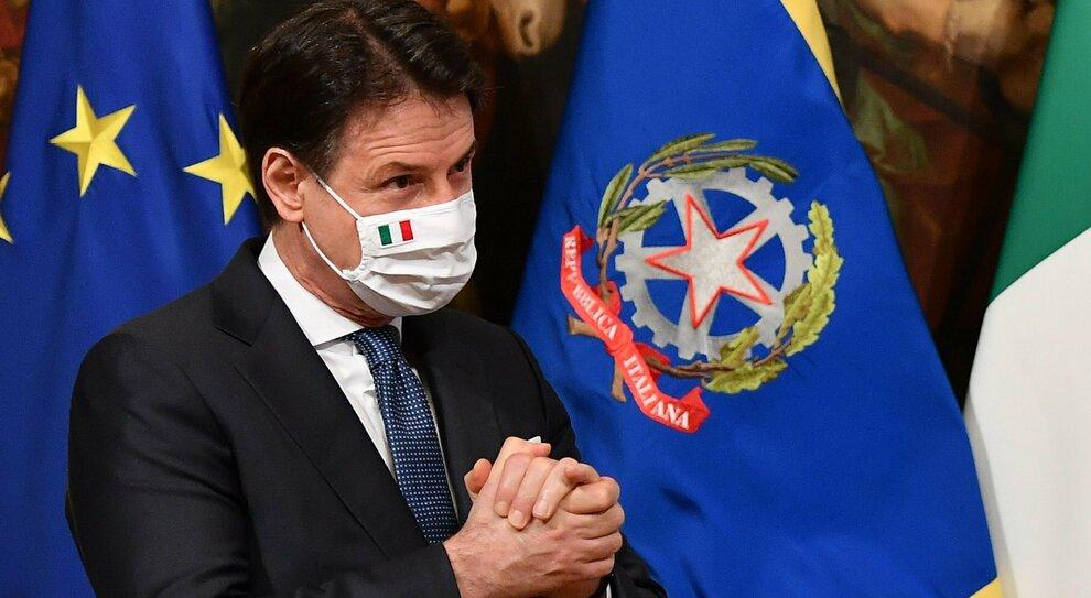 Giuseppe Conte verso la leadership M5S. Grillo lo vorrebbe a capo da solo (ma i big frenano)