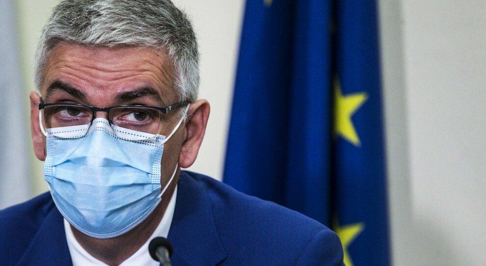 Covid Brusaferro Iss Epidemia Durera Ancora Un Anno E Mezzo