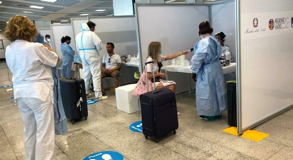 Tamponi a Fiumicino per chi rientra da Malta, Grecia, Spagna e Croazia