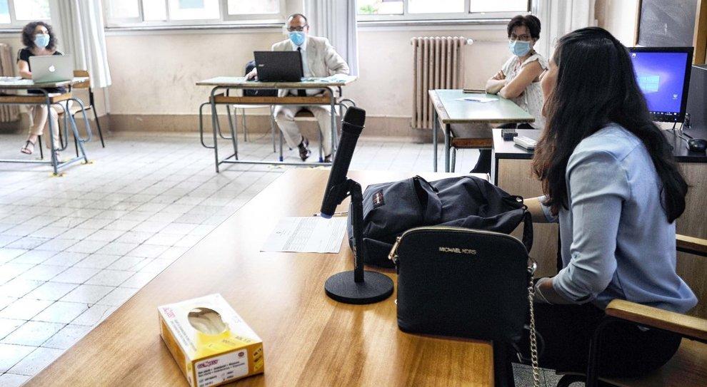 Scuola, gli studenti di Roma: «Ci siamo abituati alla didattica a distanza, ma fateci tornare in classe»