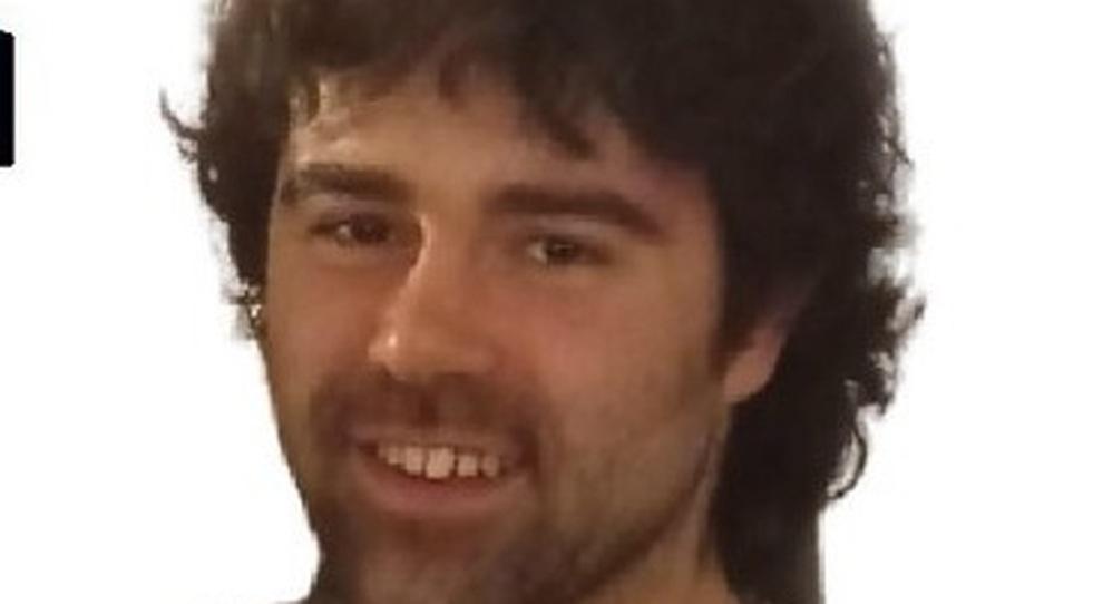 Vigile del fuoco volontario di 26 anni trovato morto in casa: oggi il funerale