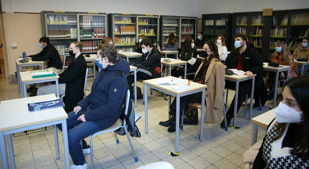 Roma, in una scuola su tre non si torna in aula: sì ai corsi all aperto