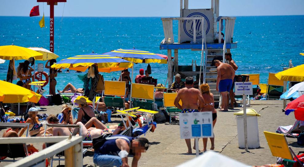 Bonus vacanze 2021, chi può richiederlo e come ottenerlo: si potrà usare in agenzia di viaggio