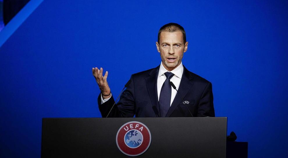La Uefa gioca con il virus. Ceferin rinvia la decisione sul rinvio delle coppe, l'Europeo slitta al 2021